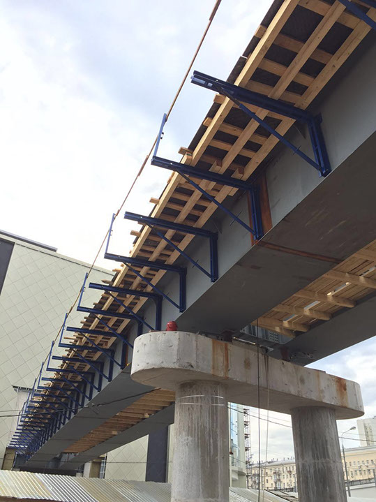 Опалубка консоли для строительства мостов